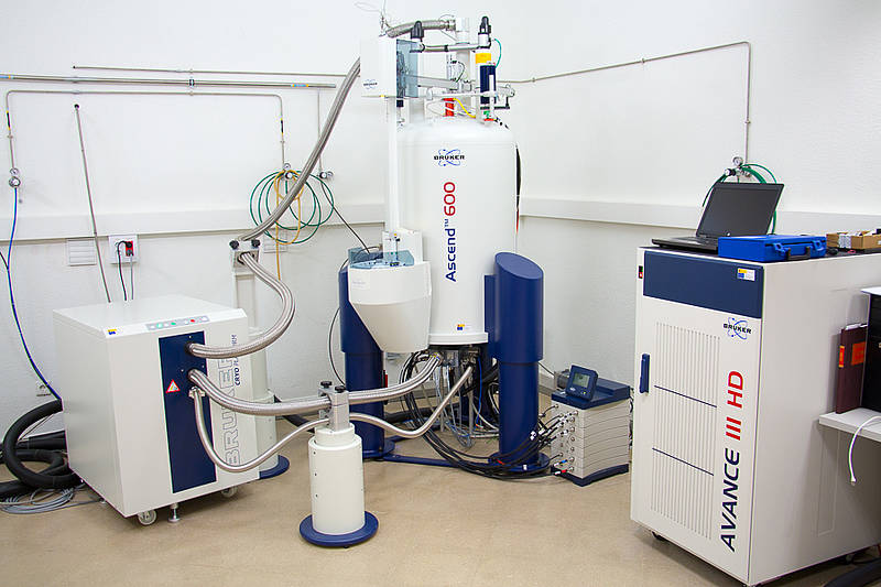 NMR Spectrometer with cryoprobe